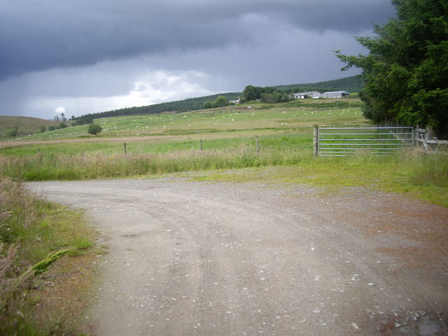 Bend in the road to Blairordens