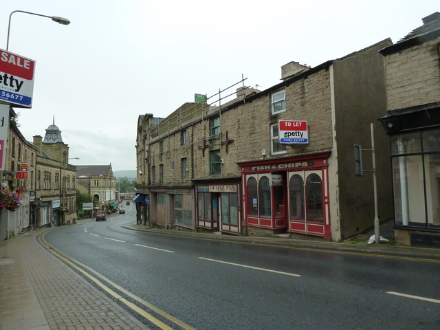 Disused shop on Burnley Road, Padiham