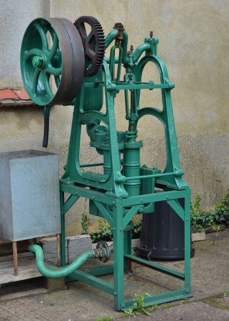 Belt driven waterpump