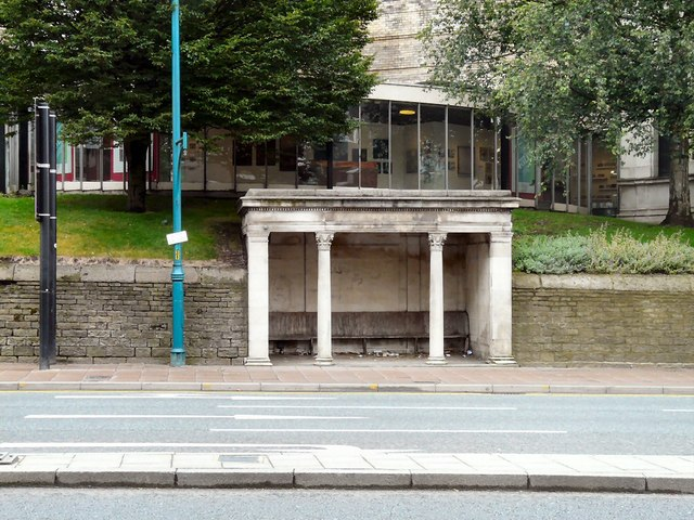 Shelter on Wellington Road South