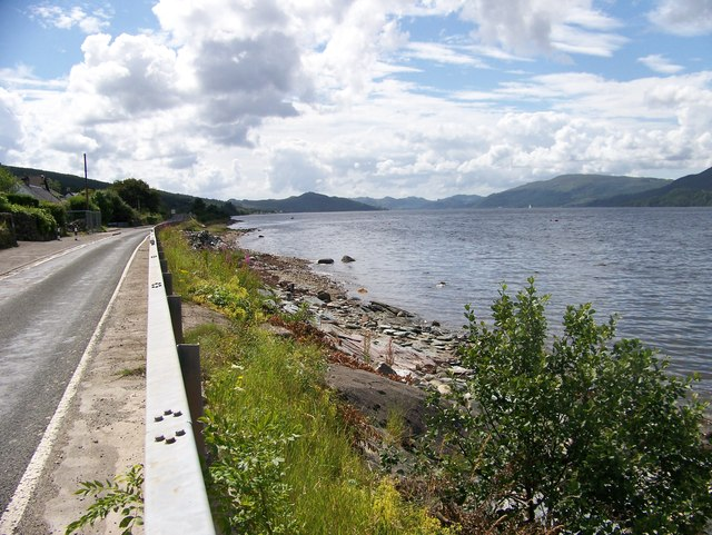 The shoreline of Loch Fyne