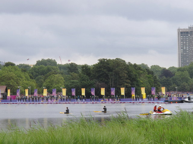 Olympics women's triathlon Hyde Park - start