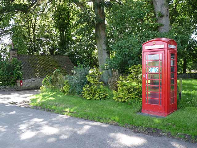 Telephone kiosk and postbox at Crailinghall