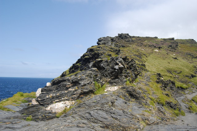 Slate folding and quartzite boulders, Penally Point, Boscastle