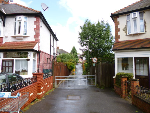 Friern Barnet, footpath
