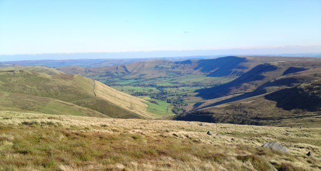 From Pennine Way looking down Edale and over Mam Tor