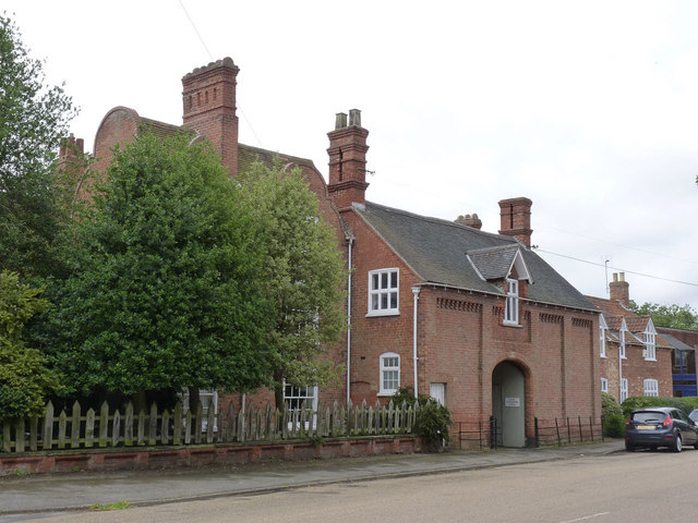 South Collingham House gatehouse 