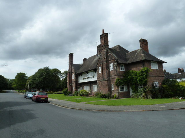 Mid summer 2012 at Port Sunlight (XVII)