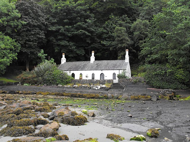 Beach-side house at Llanbedrog