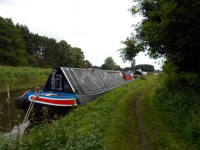 Working Narrow Boat Hadar moored at Tixall Wide