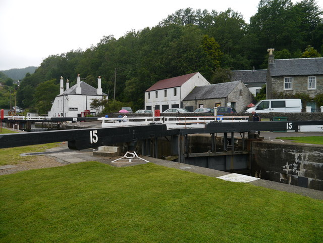 The Crinan Canal: Lock No 15