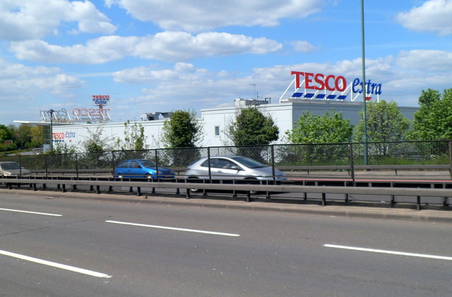 Tesco Extra, Willesden