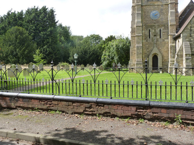 Churchyard railings, Harby