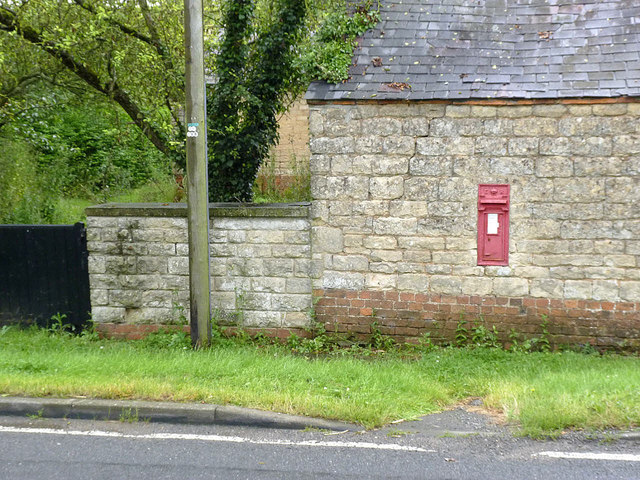 The Firs Scopwick - Lincoln postbox ref. LN4 20