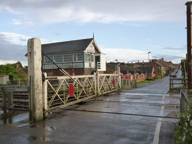 Sleaford West level crossing and signal box