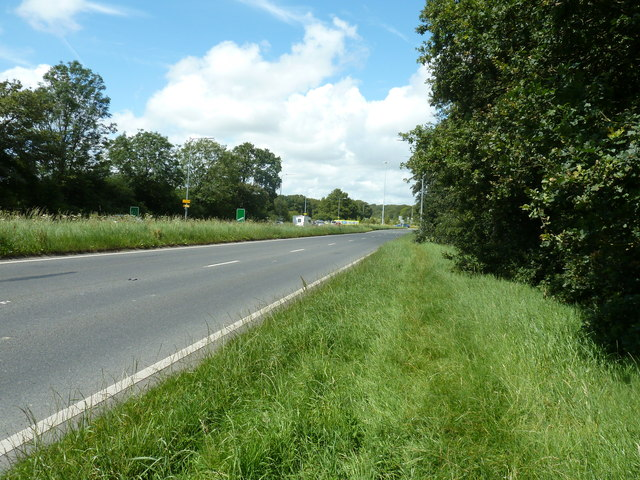 A 22 northbound approaching the Diplocks Way roundabout