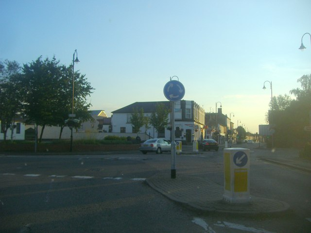 Mini roundabout on Stratford Road, Wolverton