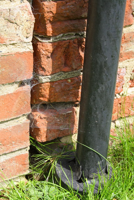 Benchmark on Mill House, Rose Cottage Farm