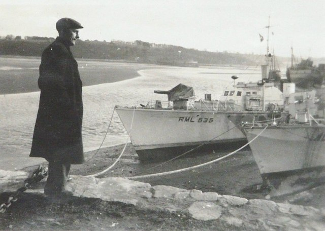 Two RMLs moored beside the River Torridge in 1943