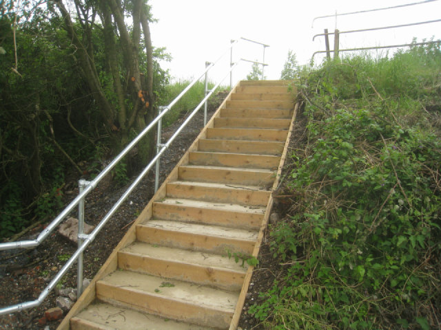New steps for track maintenance