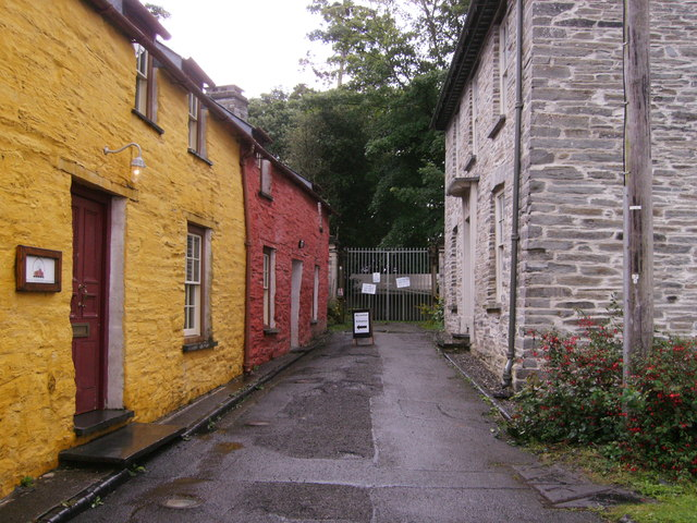 Cottages on entrance to Cardigan Castle in Green Street