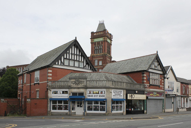 Former Co-op store, Halliwell
