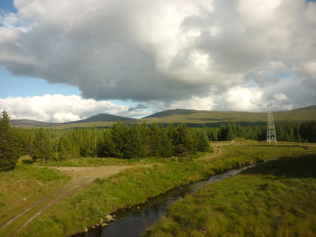 The Abhainn Duibhe and a power pylon