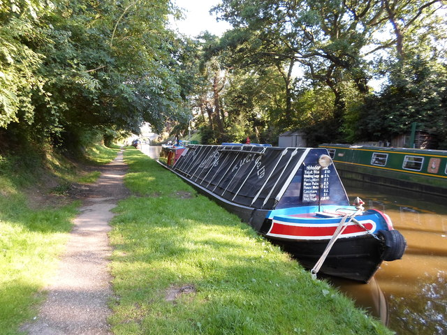Working Narrow Boat Hadar moored at Wheaton Aston