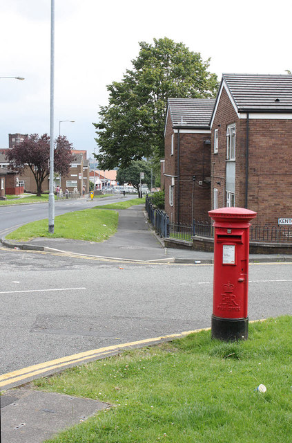 Tennyson Street | Tennyson St / Kenton Close postbox (ref. BL1 302)