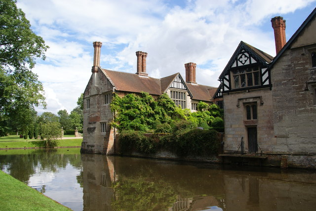 Baddesley Clinton manor house