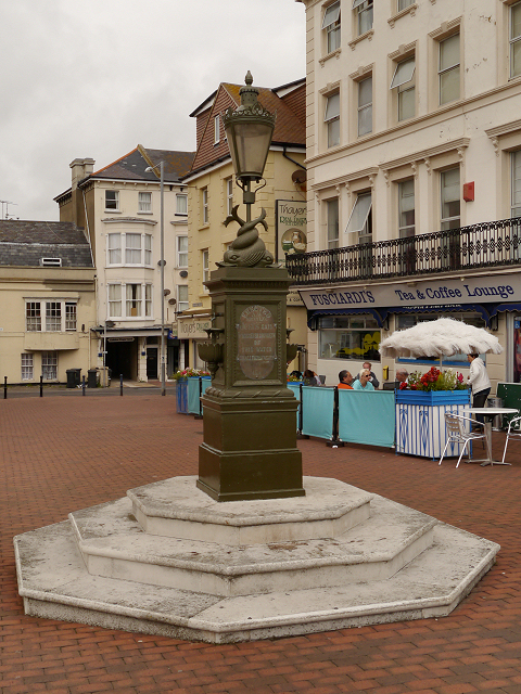 The Curling Drinking Fountain, Seahouses Square