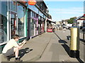 SE2337 : Gold Post Box, New Road Side (2) by Rich Tea