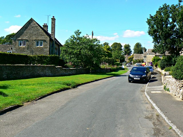 North into Ampney St Peter, Gloucestershire