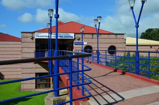 Teviotdale Leisure Centre Hawick Jim Barton Cc By Sa 2 0 Geograph Britain And Ireland