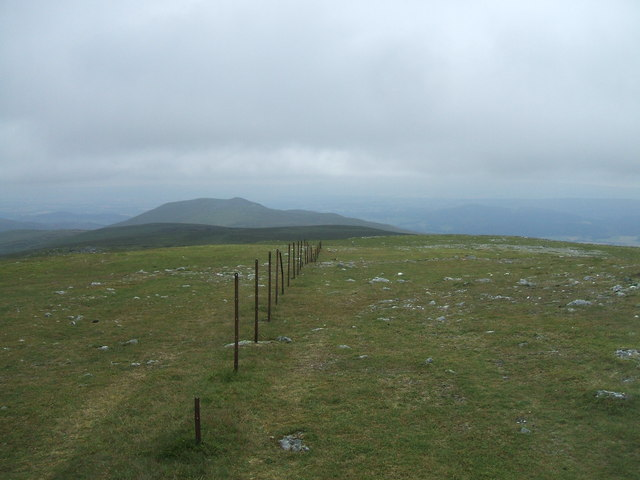Fence line on Ben Chonzie
