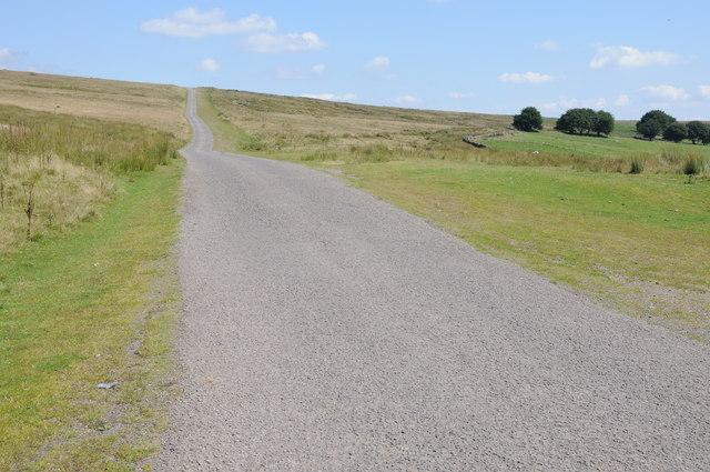 Road ascending Byrgwm
