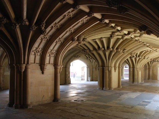 Chapel undercroft, Lincoln's Inn