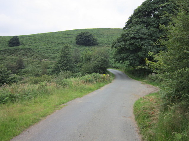A minor road leading to the A6013