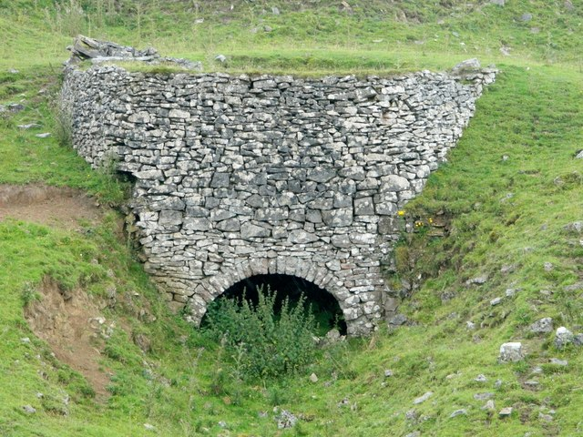 Lime Kiln, beside Minninglow Embankment