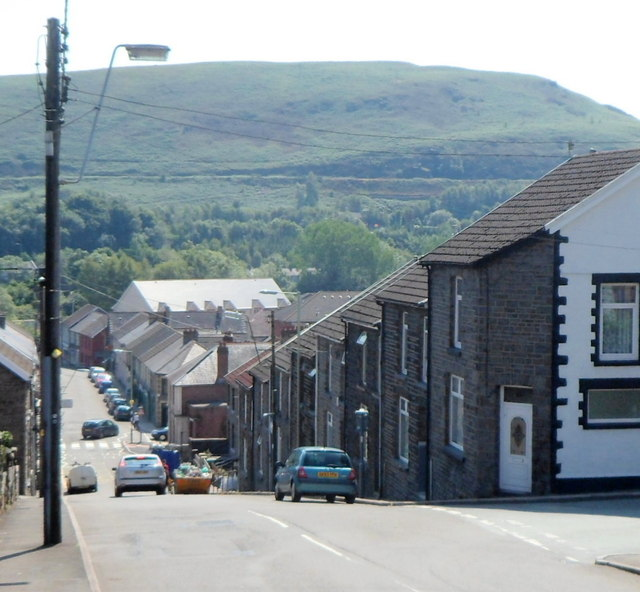 In Abercynon Rhondda Cynon Taf: Steep Descent, Ynysmeurig Road,... © Jaggery :: Geograph