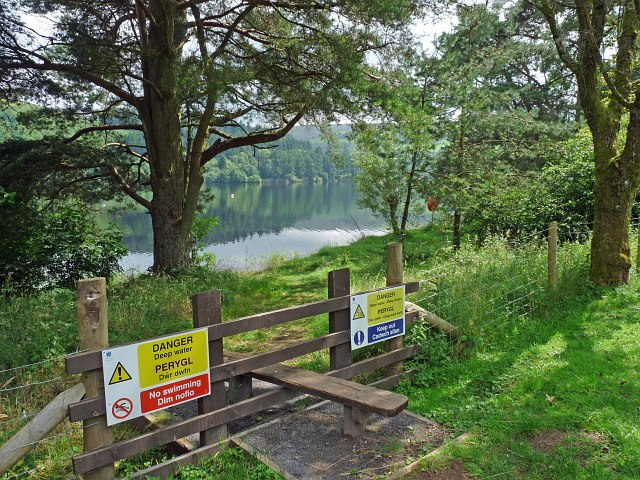Warnings by the Pontsticill Reservoir