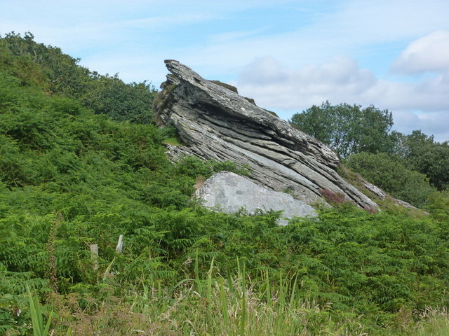 Outcrop by the road to Pier House