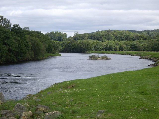 Islet in the River Dee