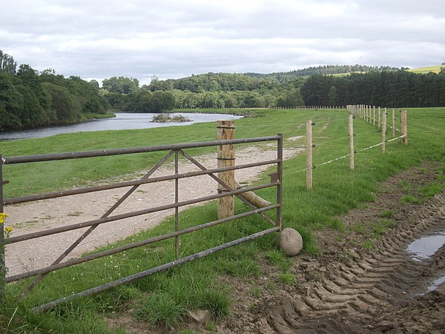 New riverside fence