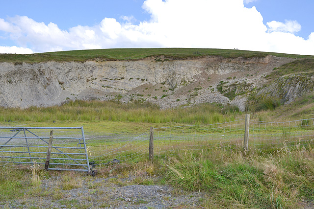 Disused quarry near Glan Marteg