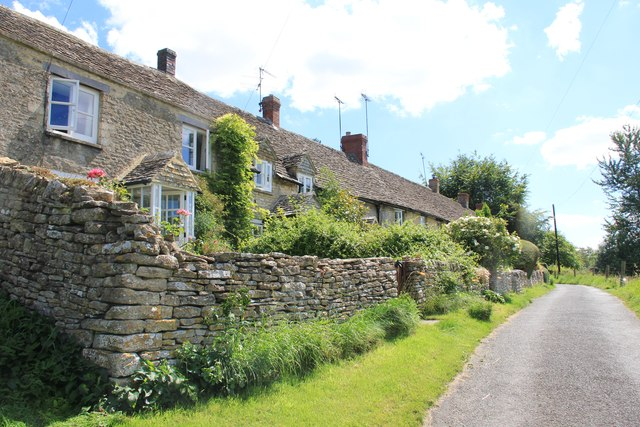 Row of cottages, Chedworth
