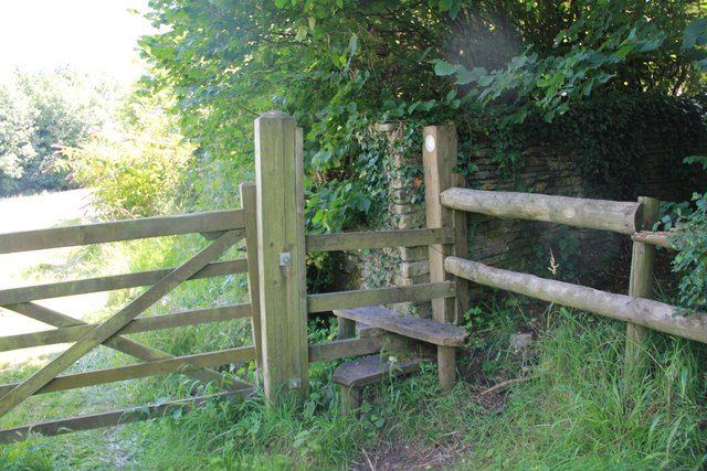 Stile and gate, Chedworth