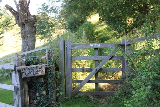 Gate across path in Chedworth