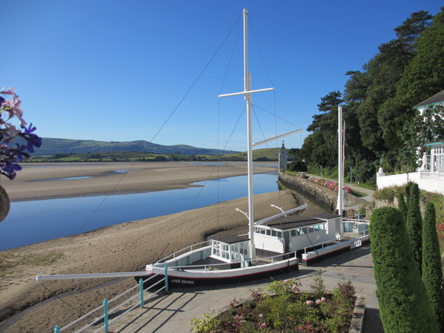 'Amis Reunis' at Portmeirion