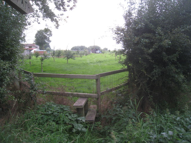 Stile and footpath to the Trent